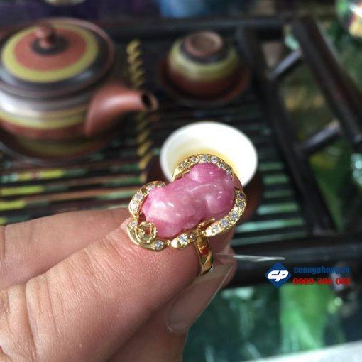 Mặt nhẫn tỳ hưu ruby bọc vàng A1502