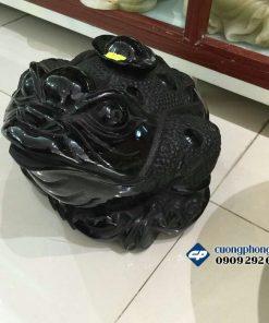 Thiềm thừ đá obsidian