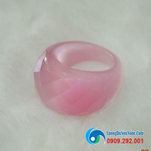 Nhẫn đá mắt mèo màu hồng