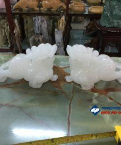 Cặp tỳ hưu phong thủy đá trắng Onyx 25cm