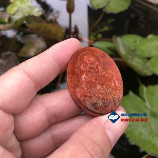 Mặt dây chuyền Đức Mẹ bồng Chúa Giesu Cẩm Thạch Huyết M329