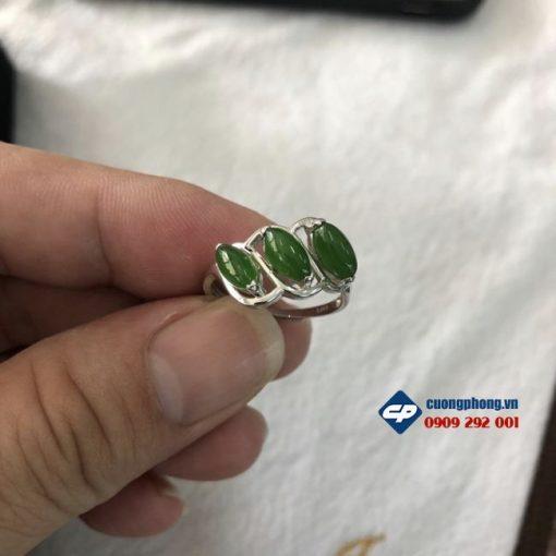 M360-nhan-3-hat-ngoc-bich-nephrite