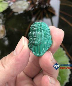 Mặt dây Đức Chúa Giesu đá Lông Công Malachite CP454