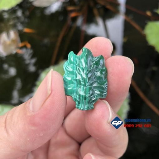 Mặt dây Hồ ly Chúa 9 đuôi đá Lông Công Malachite CP453