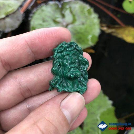 Mặt Đức Chúa Giesu mũ gai đá Lông Công Malachite CP457