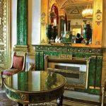 """""""Phòng Malachite"""" tại Cung điện Mùa Đông ở St Petersburg"""