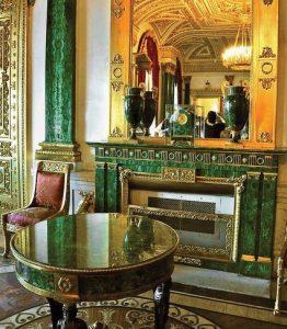 Một hình ảnh về căn phòng Malachite tại cung điện Mùa Đông (Nga)