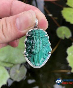Mặt Đức Chúa Giesu đá Lông Công Malachite bọc bạc CP495