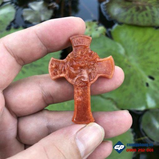 Mặt Thánh Giá Chúa Giesu mão gai Ngọc Cẩm Thạch Huyết CP501