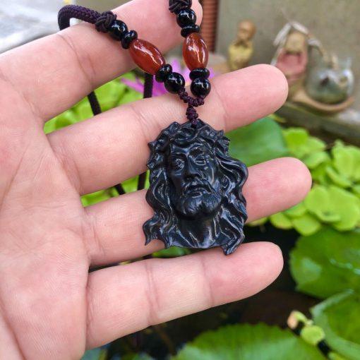 Mặt dây Chúa Giesu mão gai đá đen Calcite CP602