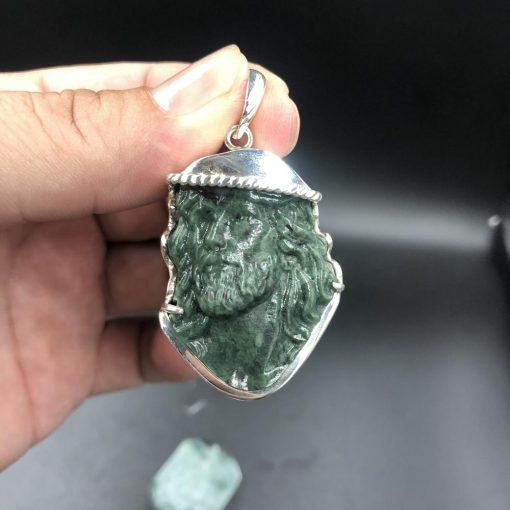 Mặt dây Đức Chúa Giesu đội mão gai đá Serpentine bọc bạc V521